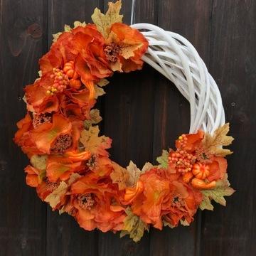 Wianek wiklinowy jesienny na drzwi lub prezent