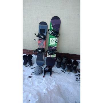 Deska snowboardowa, buty snowboardowe, kask