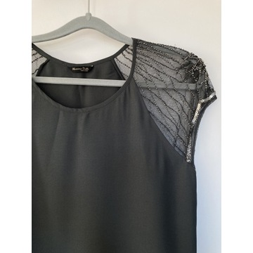 Sukienka z ozdobnymi rękawkami Massimo Dutti