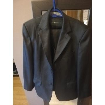 Garnitur męski czarny modny fason