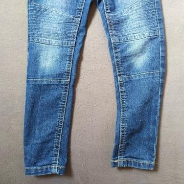 Spodnie. Jeansy. 104. Na gumce.