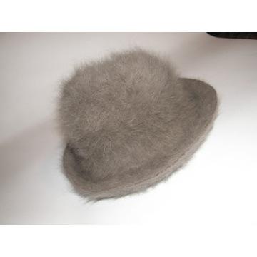 Modny kapelusz z angory 56-58 cm