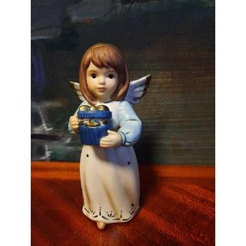 Figurka Anioł z prezentem Goebel Weihnacht