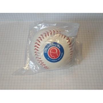 piłka do baseballa z logiem smarter every day