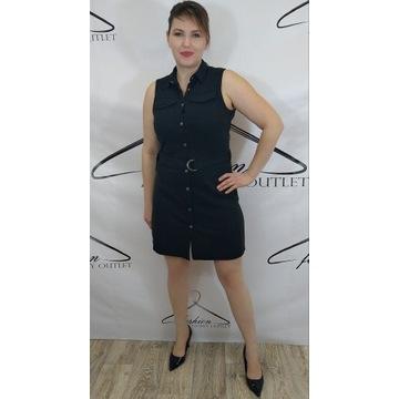 Czarna sukienka na zatrzaski