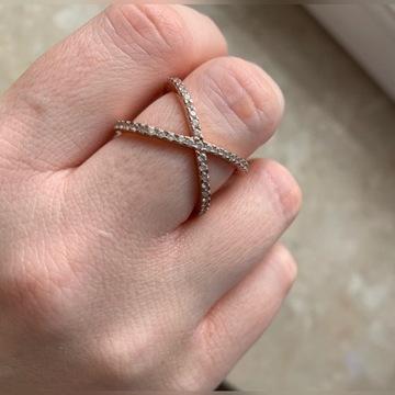 Pandora pozłacany pierścionek rose gold okazja