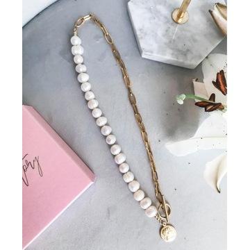 Naszyjnik z pereł naturalnych z łańcuchem i monetą