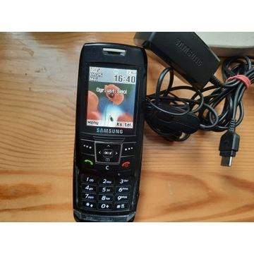 Samsung E250 + ładowarka + słuchawki -BEZ SIMLOCKA
