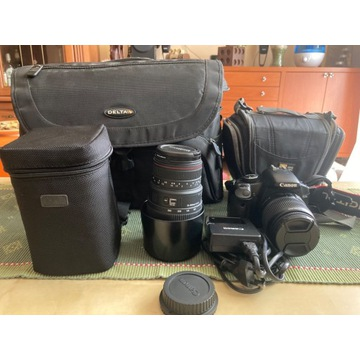 Lustrzanka Canon 450D z obiektywami oraz torby