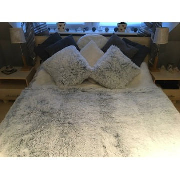 Sprzedam sypialnie łóżko szafki komoda