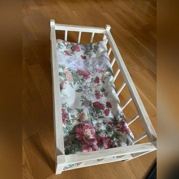 Łóżeczko dla lalek z pościelą