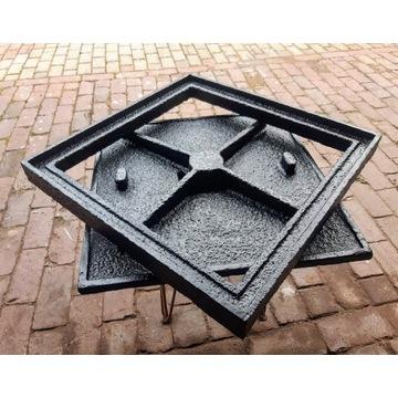 Właz żeliwny kwadratowy 585x 585 mm 25 ton vintage