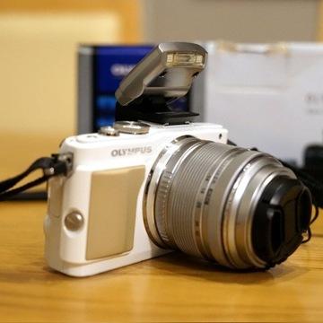 Olympus PEN E-PL5 aparat bezlusterkowiec, biały