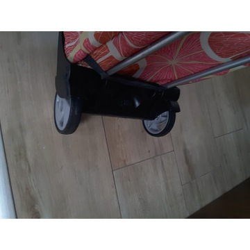 Wózek na zakupy. Wymiary 50 cm x 25 cm.