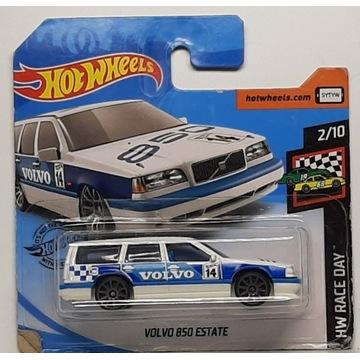 Hot Wheels - Volvo 850 Estate (3)
