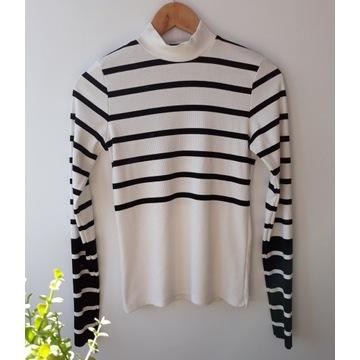 Minimalistyczny Sweterek golf czarno biały w paski