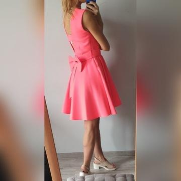 Neonowy róż, sukienka, wesele, kokarda 36