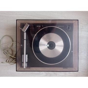 Gramofon z zestawem winyli