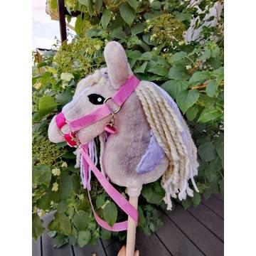 Koń Hobby Horse na kijku + zestaw - Dixie