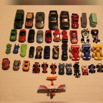 auta,resoraki,samochody 32sztuki,mata