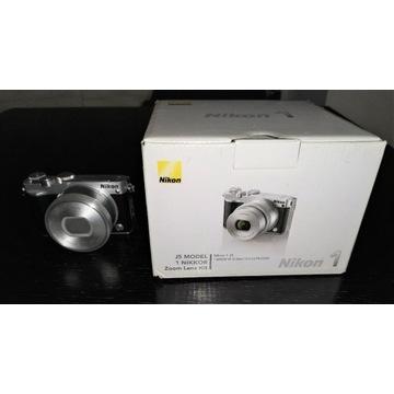 Aparat Nikon 1j5 ze zmienną optyką