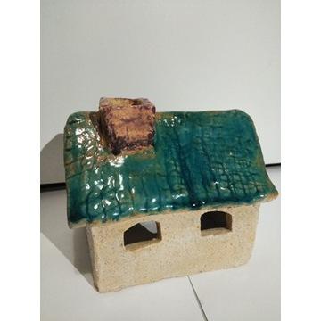 Świecznik w kształcie domku, cegiełka za zbiórkę