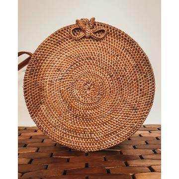 Okrągła torebka rattanowa CARMEN