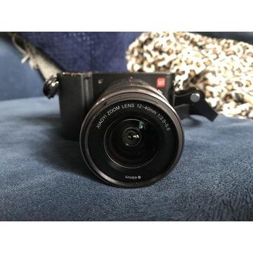 Aparat 4K Yi M1 z obiektywem 12-40mm + akcesoria