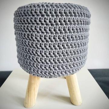 Dekoracyjny pokrowiec na stołek handmade szydełko