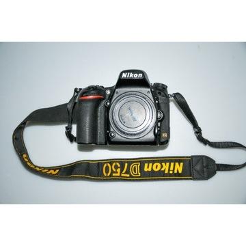 Nikon D 750