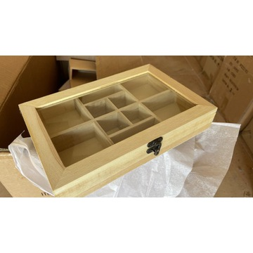 Drewniane pudełko na drobiazgi z szybką