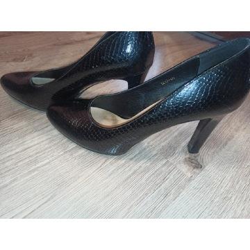 Buty lakierowane rozmiar 40