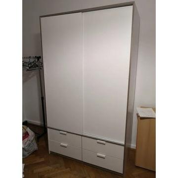 Biała szafa z Ikei