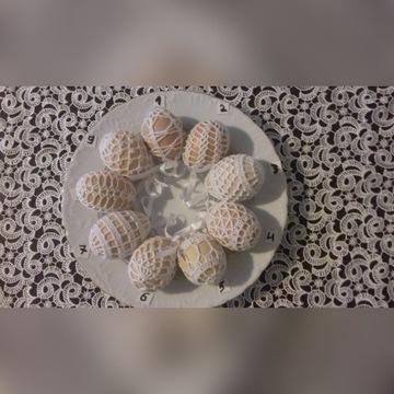Koszulki szydełkowe na jajka pisanki ubranka