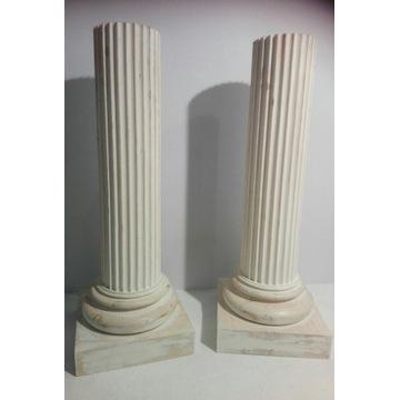 Kolumna, postument w stylu klasycystycznym para .
