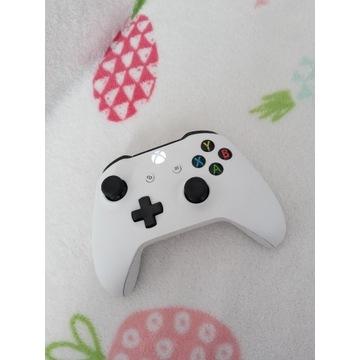Pad Xbox One jak nowy
