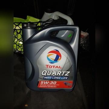 Olej silnikowy syntetyczny Total Quartz 5w-30