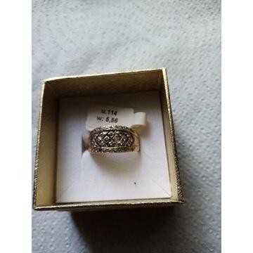 ZŁoty pieścionek 585 waga 5,56gr po 160zł/gr
