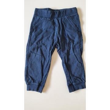 Dresowe spodnie 86 baby club C&A