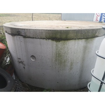 Krąg betonowy z dnem