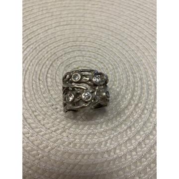Obrączka Apart srebro duże cyrkonie 20