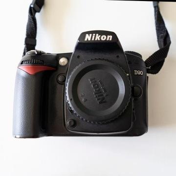 Nikon  D90 + lampa błyskowa