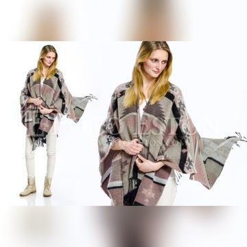 Fotografia mody. Sweter, koszula, spodnie wszystko