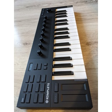Kontroler MIDI - NOWE Native Instruments M32