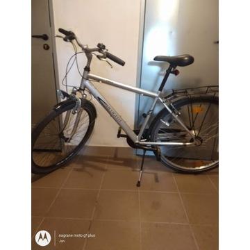 Rower trekkingowy marki ,, Peugeot''
