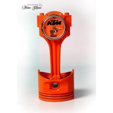 Zegarek z tłoka. Stylizacja KTM