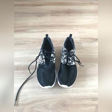 Nike rosherun 38,5 panterka nowe wiosna