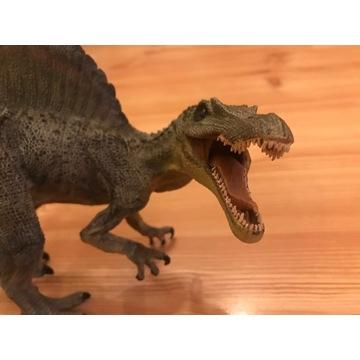 figurki dinozaurów- tyranozaur, spinozaur, raptor