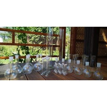 Szkło laboratoryjne menzurki probówki kolby pipety