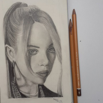 Billie Eilish rysunek 12,6 x 20,6 cm ołówek